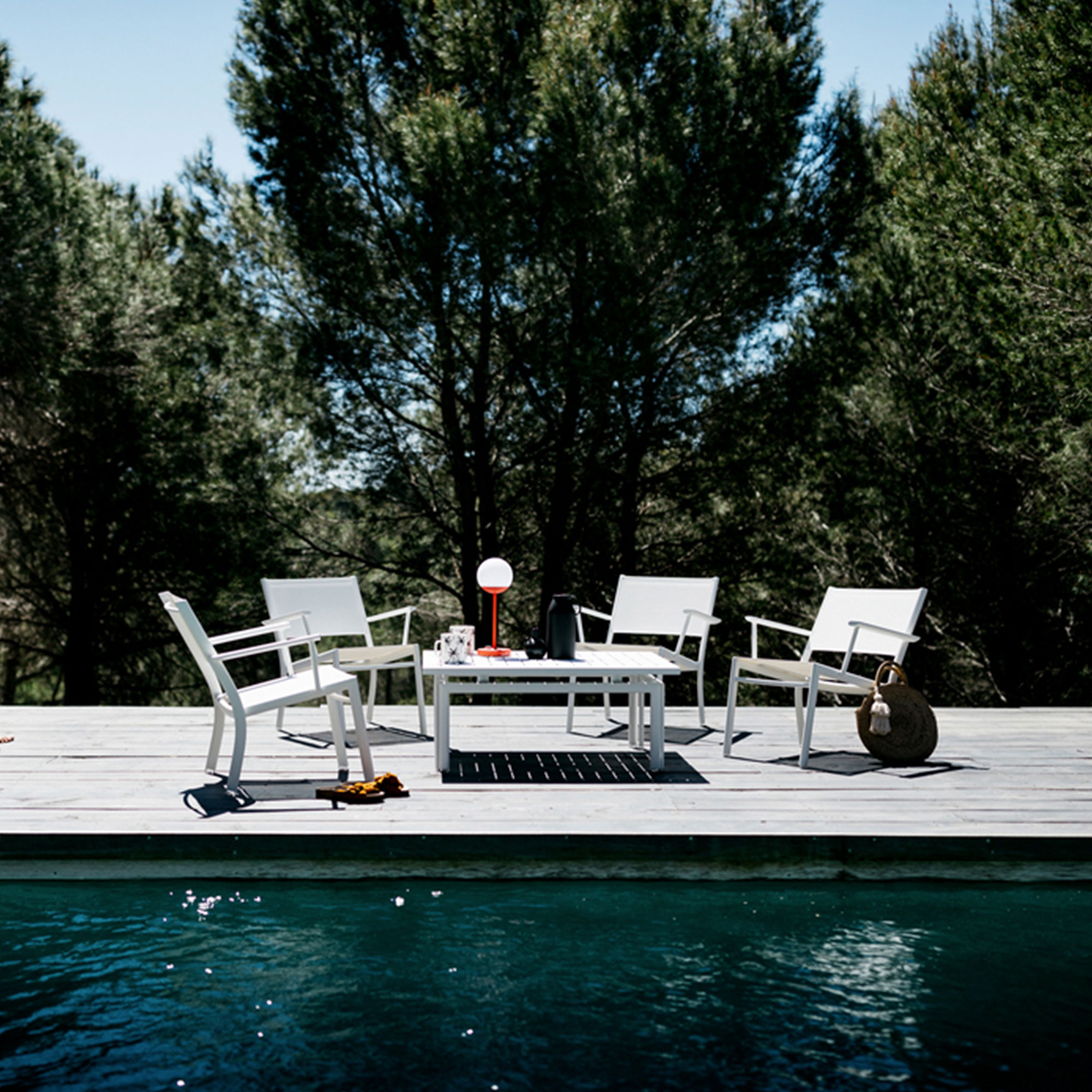 Costa Low Table 100x80 cm Acapulco Blue 21 Soffbord | Fermob