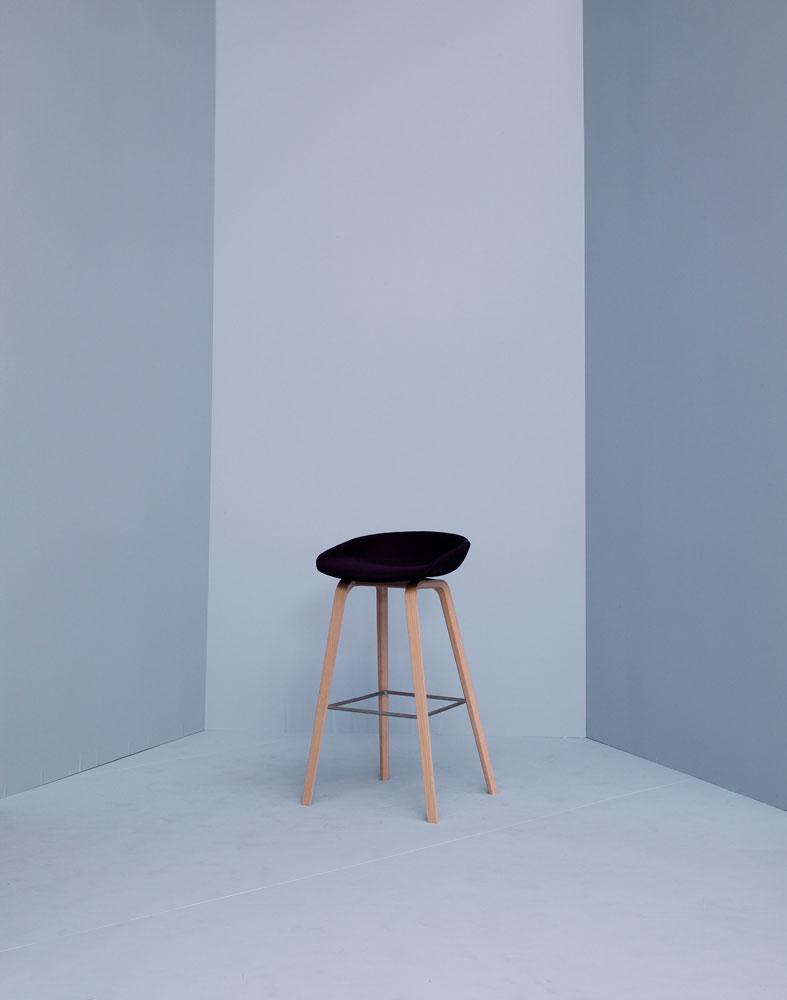 About a Stool Helklädd AAS33 Barpall | HAY | Länna Möbler