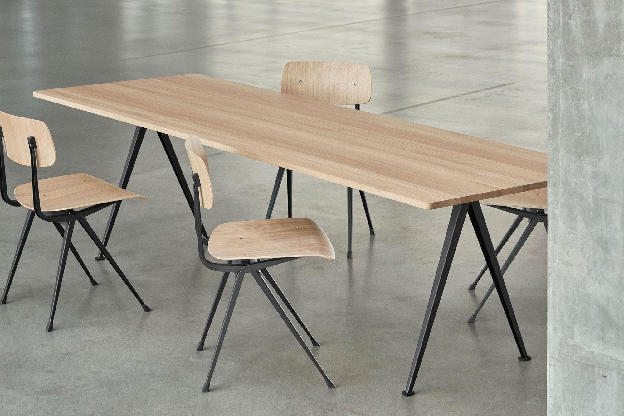 Hay Result Stoel : Result chair svart klarlackad ek stol hay länna möbler